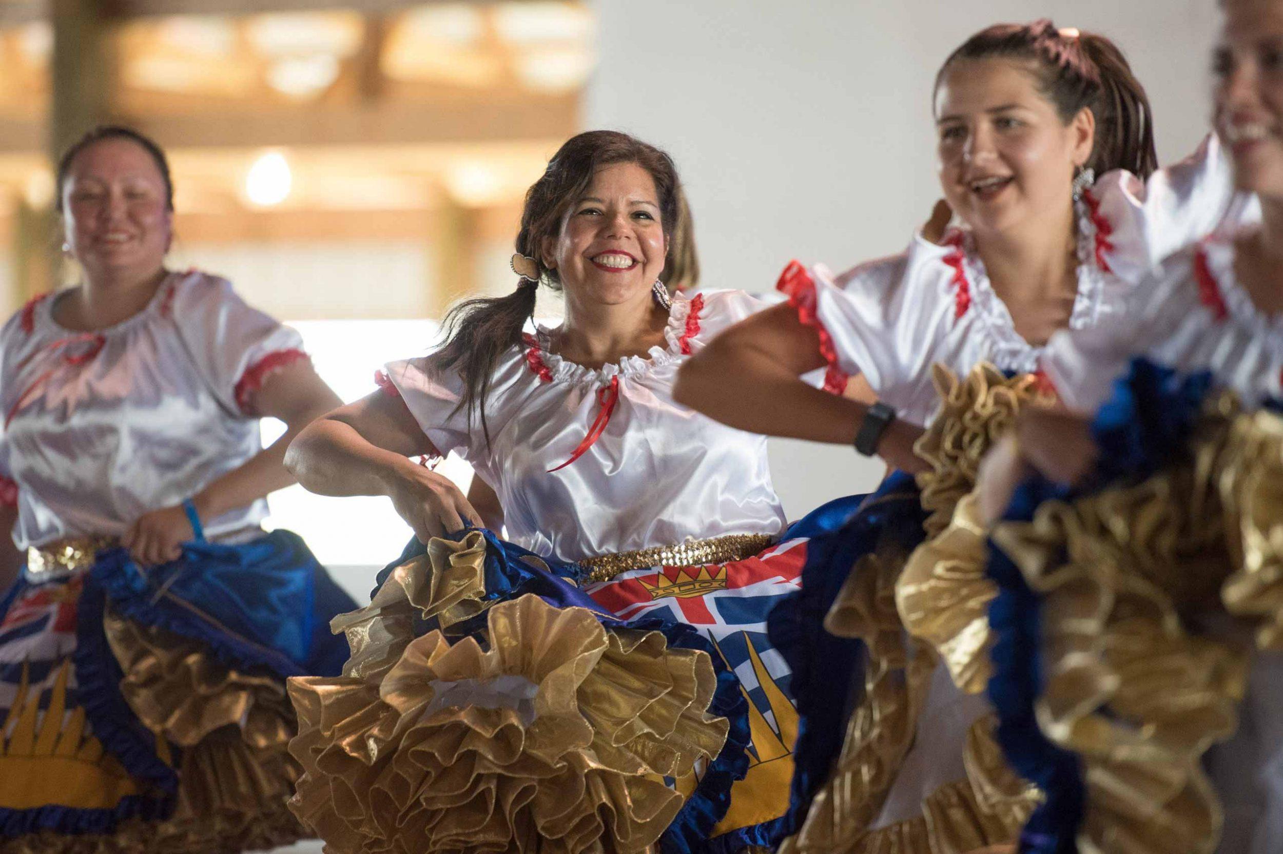 Métis dancers
